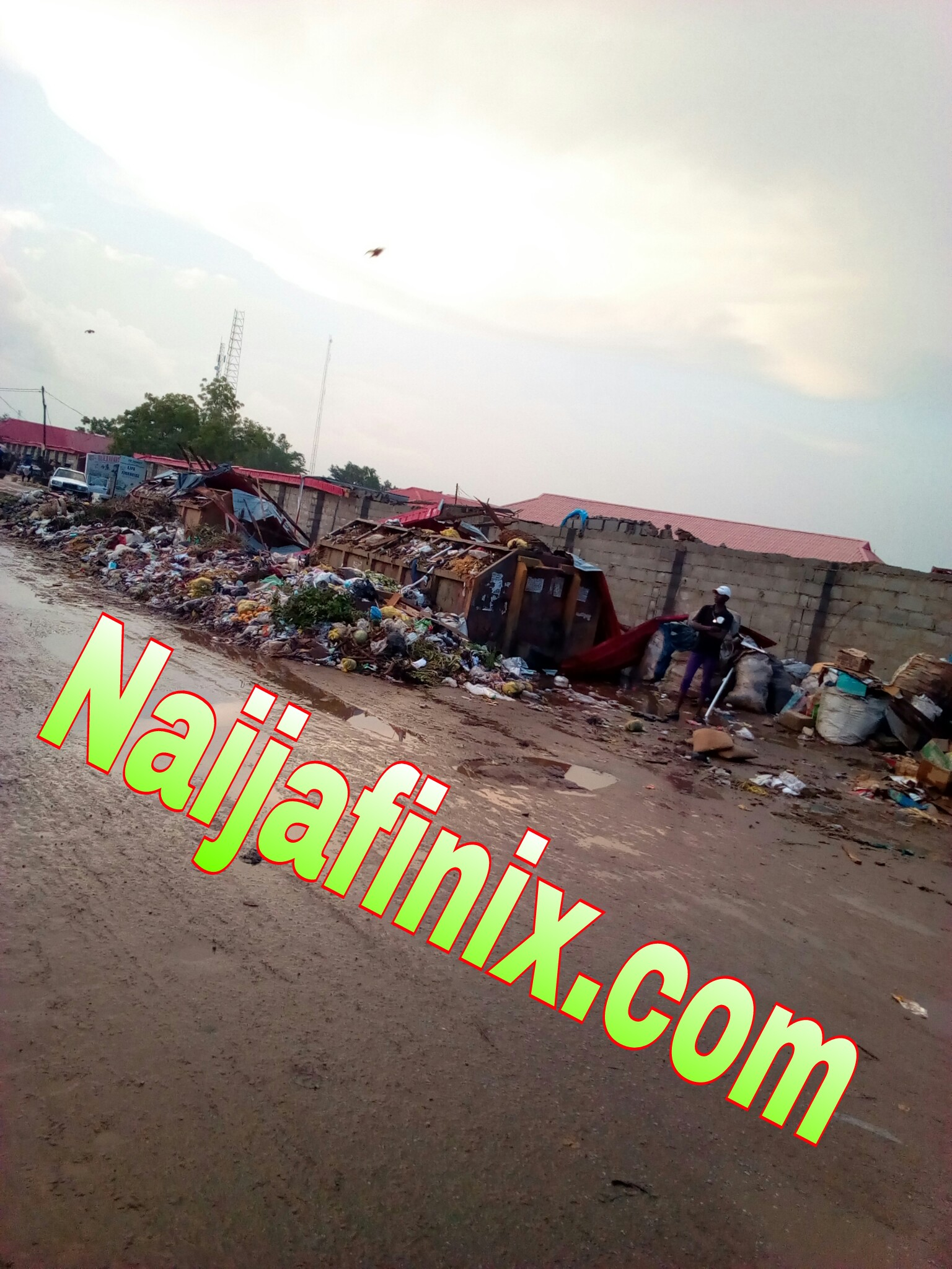 This Is Gwagwalada:- See Photos Of How Dirty Gwagwalada Market Is Over Time