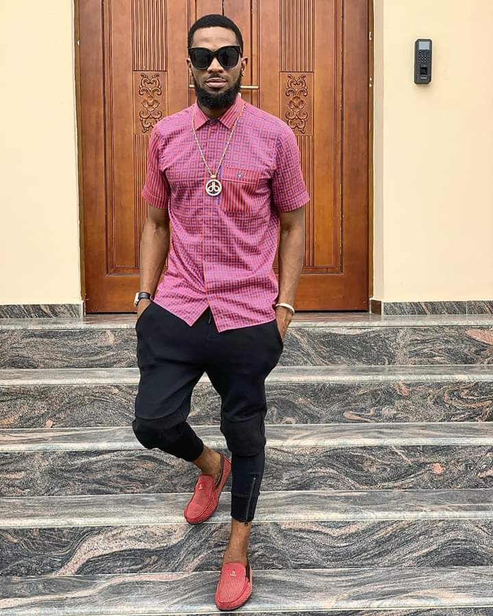 Born on June 9, 1980, Entertainer and entrepreneur, Dapo Oyebanjo, a.k.a Dbanj is celebrating his 39th birthday today. The self-acclaimed king of girls, 'kokomaster' shared nice photos of himself to celebrate his 39th years birthday. In his special birthday message, D'banj wrote