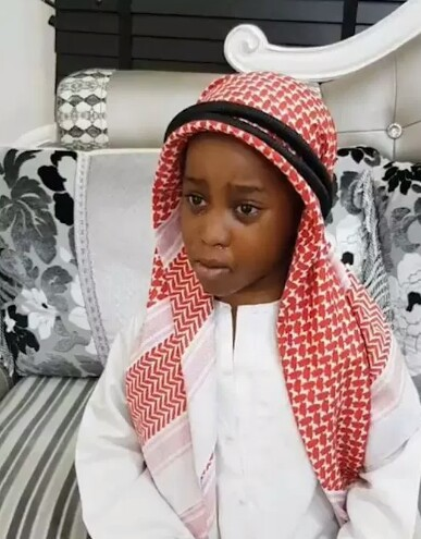 Below is a video of a little girl who refused to come back to Nigeria, after having a swell time in Dubai. The little girl, identified as Anjola had celebrated her fifth birthday in Dubai, and she obviously had a splendid time, as she refused coming back to her home country. In one of the videos taken in Dubai, the little girl says she wants to remain in Dubai, and has no interest in seeing her relatives and family in Nigeria. She even said she does not want to go back to her school in Nigeria. After they arrived Nigeria, little Anjola could be seen crying outside her Nigeria home, refusing to go in. In the video, the five-year-old was seen crying as she complained that there was no light in the house. Her mother was also heard in the background begging her to enter the house.