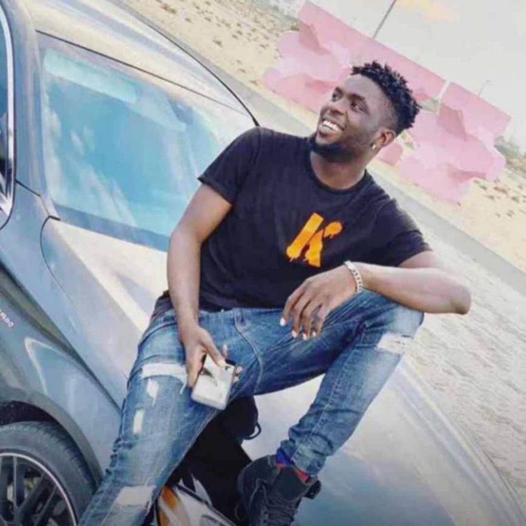 An upcoming Nigerian rapper simply identified as Ziggy, died yesterday Sunday June 16th after falling at a 4-storey building in Paradise estate Lekki, Lagos state where he resides. According to reports, Ziggy was in the estate taking a walk when he unknowingly stepped into an open space which was supposed to house an elevator. He fell immediately, broke his bones and was rushed to the hospital where he died. His remains has been deposited in the morgue.
