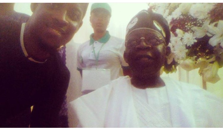 BBNaija housemate, Seyi is really using the influence of his grandfather, Obafemi Awolowo. He posed in a throwback photo with APC leader, Bola Tinubu.