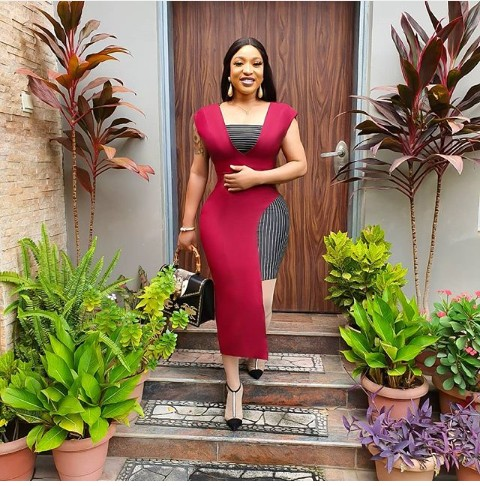 """Controversial Actress, Tonto Dikeh Steps Out In Lovely Red Dress For Sunday Service Veteran Actress """"Tonto Dikeh"""", took to her Instagram account to share a beautiful picture of herself as she looks Stunning in a beautiful red gown."""
