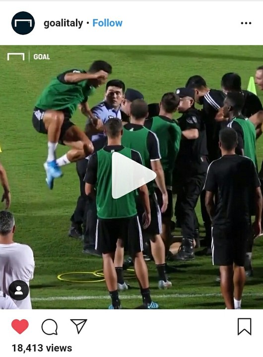 A football fan today in China invaded Juventus training session and was mobbed by almost 10 police officials before Cristiano Ronaldo runs up and hits one of them.  As shared by Goal.com, Ronaldo and his teammates were seen laughing after he hit the police staff.  Minutes later the fan was rushed off the pitch in China.  This comes after Ronaldo was cleared free from any rape challenges after an allegation against him earlier in 2019.