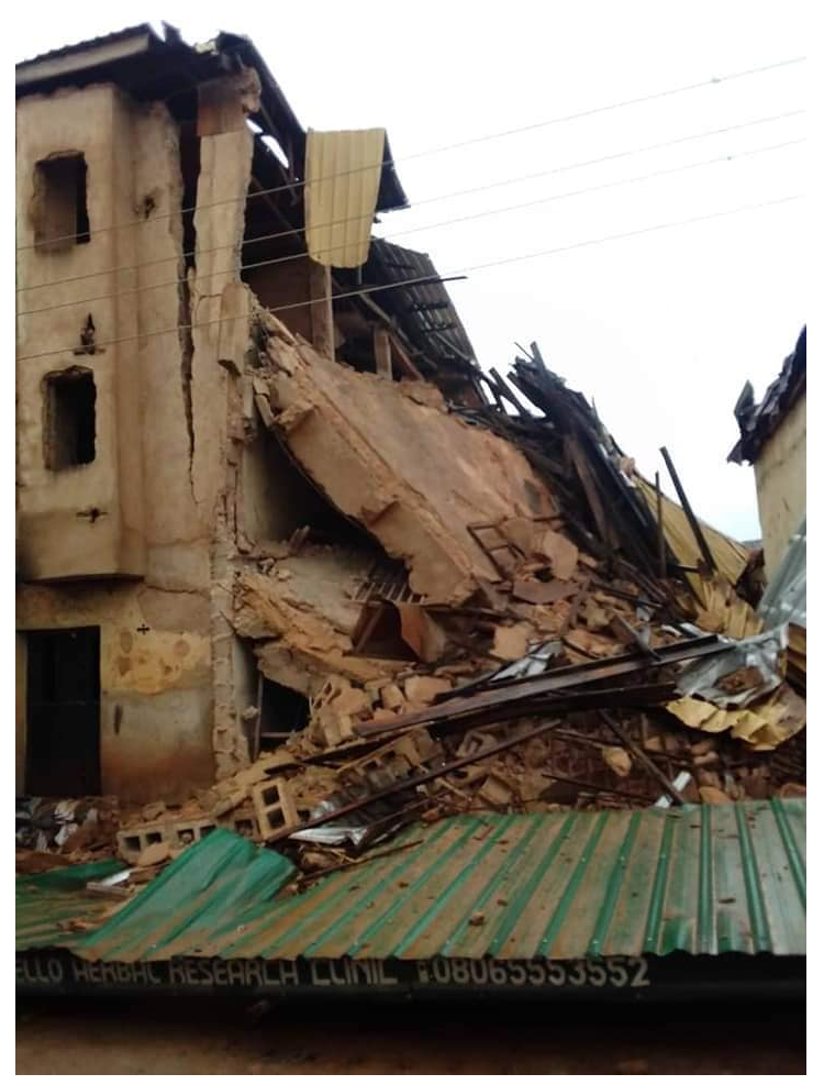Many people are feared dead after athree-storey building collapsed along Seriki road in Jos, the Plateau state capital today Monday July 15th.