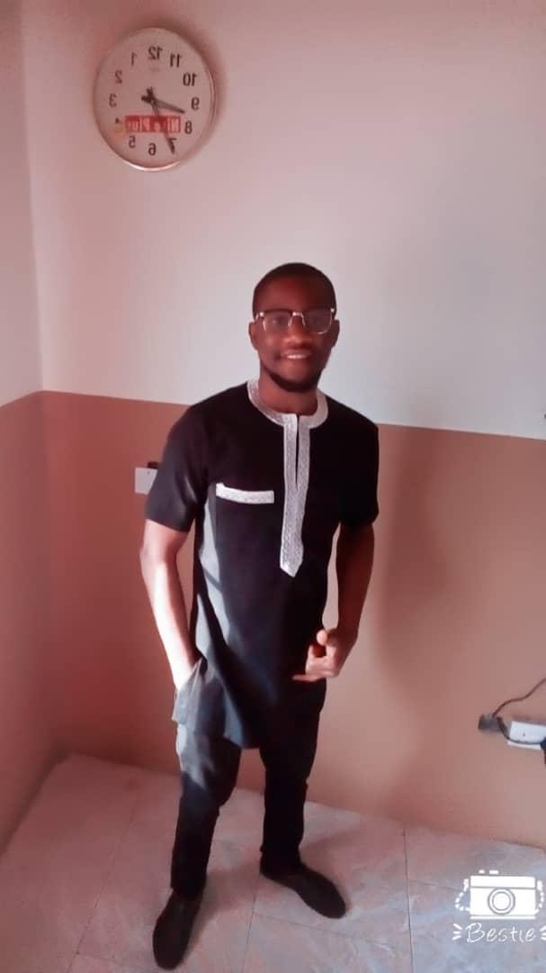 Naijafinix Face Of The Week:- Meet Emmanuel Arinze, A Young First Class Business Man In Abuja