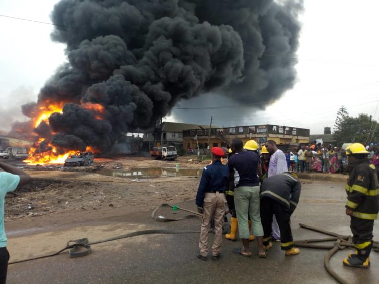Residents flee from their houses in the early hours of Thursday as pipeline along Ijegun axis of Satellite town was gutted by inferno. There is still contemplation on the main cause of the inferno as fire fighter from the terminal just arrived at the scene, trying to extinguish the fire.