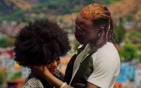 Watch And Download Music Video:- Solidstar – Yarinya