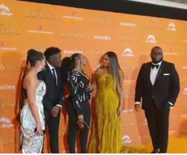 """One of the most beautiful videos you will be setting your eyes on on social media this week is that of Yemi Alade and Beyonce together at the premiere of the movie 'Lion King.'  The Nigerian songstress took to her Instagram page on Tuesday, where she gushed about meeting Beyonce.  According to her, she was excited to meet the music star at the premiere of the movie.  """"I met A Queen, I mean @beyonce ❤ ,Oops I mean Beyonce as Nala in the Lion KiKing; European Movie Premiere ⚡⚡⚡,"""" she wrote"""