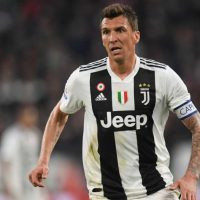 Croatian could make move to Red Devils Goal's Juventus correspondent Romeo Agresti is reporting that the Serie A champions have offered Mario Mandzukic to Manchester United during sporting director Fabio Paratici's trip to London on Thursday. Paratici was in the capital to discuss the Paulo Dybala-Romelu Lukaku swap deal, although the 33-year-old Croatian, and the potential of him moving to Old Trafford, also came up in the discussions.