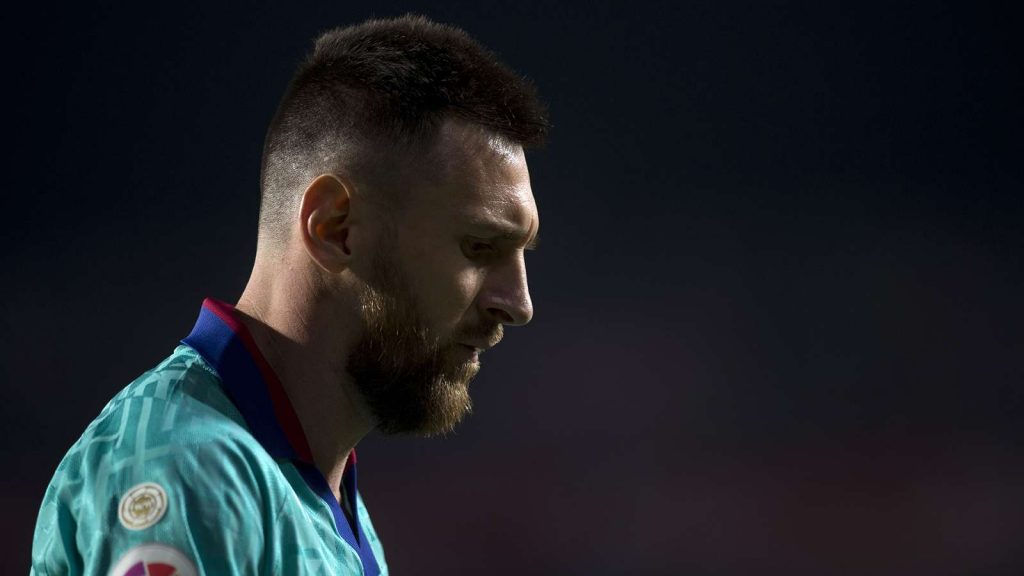 The Blaugrana suffered their second away defeat of the season, slumping to a dismal 2-0 defeat at Granada that highlighted their numerous issues On Saturday night, Barcelona had Lionel Messi back within their ranks for the first time in La Liga this season. But it made little difference. This Barca side has problems that that even the captain can't resolve.