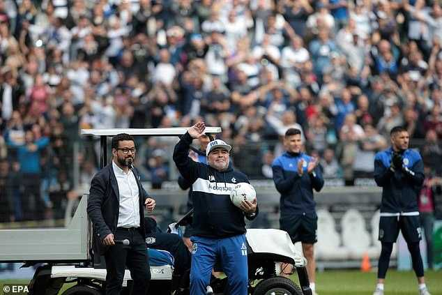 Argentina Legend Diego Maradona was left in tears at his unveiling as manager of Gimnasia with thousands of fans present, MySportDab reports.  Maradona has taken charge of Gimnasia, who are bottom of the Primera Division, until the end of the season, and arrived for his firsttraining session at the club.