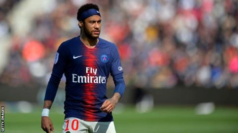 """One of the most senior ranking members of the FC Barcelona squad let Josep Maria Bartomeu know that signing Neymar was a must if they were to win the Champions League.  It was a belief shared by many others in the dressing room who all had their say as negotiations were ongoing with PSG.  Some of the players were even willing to part with their own money to help pay for the costly transfer, such was the desire to bring Neymar 'home'.  The board didn't take that offer under consideration, and some of the squad weren't even aware of it, but it was done to demonstrate how well liked Neymar is by certain players in the changing room.  It's extremely possible with the €20m Neymar was willing to put in, alongside that of the players, a deal could have been struck with PSG. However, the board only valued a transfer if it made sense on the financial side of things. Some board members called it """"absolutely crazy"""" if they accepted all the demands.  So this gesture from certain squad members was dismissed.  However, not everyone was on board with the Brazilian's return. There's a danger of a rift developing between those on the side of Neymar and those who are firmly behind Griezmann. Right now, there aren't any issues between the two parties but Lionel Messi, alongside his fellow captains, must ensure this doesn't develop into anything serious.  In recent years the changing room has been a welcoming place, helped by a coach who is respected by everyone at the club and no one wants that to change."""