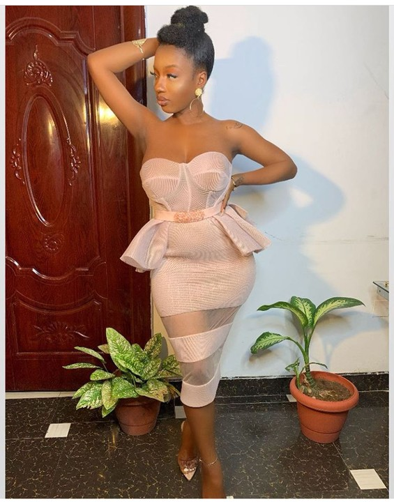Former big brother naija housemate, Avala looks absolutely beautiful in new stunning pictures. Gistmore reports  The singer and single mother celebrated her birthday yesterday on independence day.