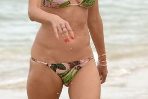 Alessandra Ambrosio Paparazzi Wet Bikini Photos