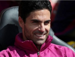 Arsenal are struggling under Emery this season and have failed to win in their past six fixtures. Mikel Arteta is ready to hold talks with Arsenal about replacing Unai Emery as manager, according to the UK Times.