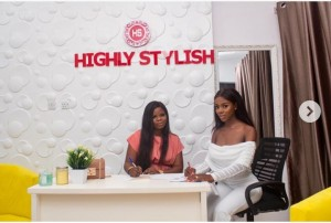 Former big brother naija housemate, Diane signs new endorsement deal with Highly Stylish. The reality star excitedly wrote on her page;  News UPDATE : Diane Yashim Becomes @Highly_Stylish Brand Ambassador .  Highly Stylish Is One Of Nigeria's Leading LifeStyle Fashion Store .  Say Hello To The New Face Of #HighlyStylish #DianeXHighlyStylish #DianeYashim #WeMoveStill