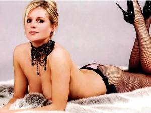 Is there anything model, poker player, and actress Abi Titmuss doesn't do? After this sex-tape she might have checked all the boxes.