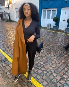 Davido's Fiancée, Chioma, Stuns In New Photo On Instagram
