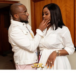 """Davido and Chioma kissed in these beautiful pictures released ahead of Davido's 27th birthday which is tomorrow.  Davido was born on the 21st of November, 1992.  Sharing the photos on Instagram Chioma, wrote:  """"Papa bear will be a year older tomorrow we love you."""""""