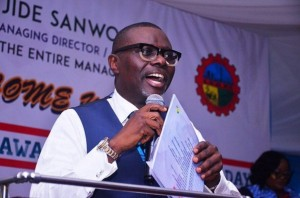 Lagos state workers will now enjoy N35,000 as new minimum wage after it was approved by Governor Babajide Sanwo-Olu.  The HOS said the salaries for the month of November was being delayed beyond the usual 23rd day cycle in order to adequately process pa