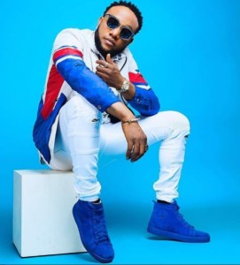 """Nigerian singer, Kcee is a happy man after the musician took to his social media page to show off the multimillion naira mansion he got for himself as part of the activities to mark the yuletide season. Sharing the updates he wrote:""""See what AJ boys did in ULI, Xmas giftto my self, God I give yo"""