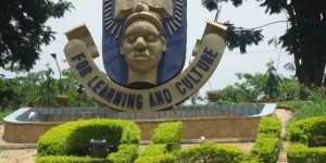 OAU lecturer slumps, dies less than 24 hours she directed university's convocation play A senior lecturer of the Obafemi Awolowo University, Ile-Ife in Osun State Dr. Victoria Oluwaremilekun Adeniyi, slumped and died on Sunday morning.