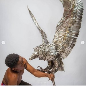 Abinoro Akporode is a hyper-talented young Nigerian man who is designing sculptures with iron spoons.  Accolades have been mounting for this young Nigerian named Abinoro Akporode Collins who is making quality works of art with iron spoons.