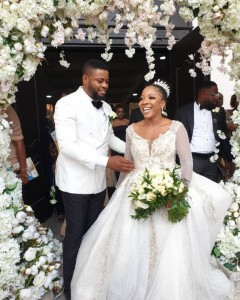 Sandra Ikeji Weds Arinze With 200 Bridesmaids (white Wedding Pictures)