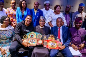 President Buhari met with Nigerians living in the United Kingdom today in London and Anthony Joshua was in attendance. Anthony Joshua greeted President Buhari in a special way by prostrating for him and also took a selfie with him.