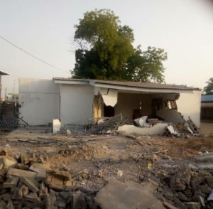 The Kwara State High Court in Ilorin, on Monday, granted an ex-parte injunction restraining the Kwara State Government from further demolition of late Olusola Saraki's property. PREMIUM TIMES reported the controversial d
