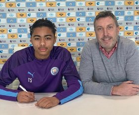 Manchester City have snapped up Nigerian defender Camron Gbadebo from Premier League rivals Leicester City following a successful t