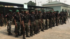 A native doctor alongside other suspects has been apprehended by policemen for allegedly kidnapping people and demanding for ransom.  The police in Abia State have arres
