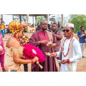 Nigerian comic actor, Samuel Ajibola, popularly known as Spiff is finally off the market. The film star recently tied the knot with his heartthrob, Sandra, in a lovely ceremony.  The event took place in Anambra and photos have been shared on social media Love comes to some people many times in their life time but it takes just one special person for one