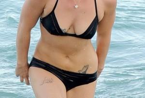 Christina Ricci shows off her nude pussy » Nudestan.com