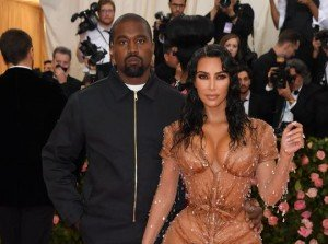 Kanye West and Kim Kardashian reportedly want to reignite the spark in their romance so desperately they've turned to a s3x doctor for help. The Jesus is King rapper, 42,