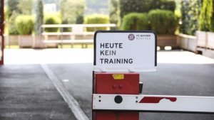 Bayern officially announce that there will be no team training today; the players have been given individual regimes to perform at home. Hansi Flick and Hasan Salihamidžić have decided that there will be no team training at Säbener Straße on Tuesday.  Instead, the pla